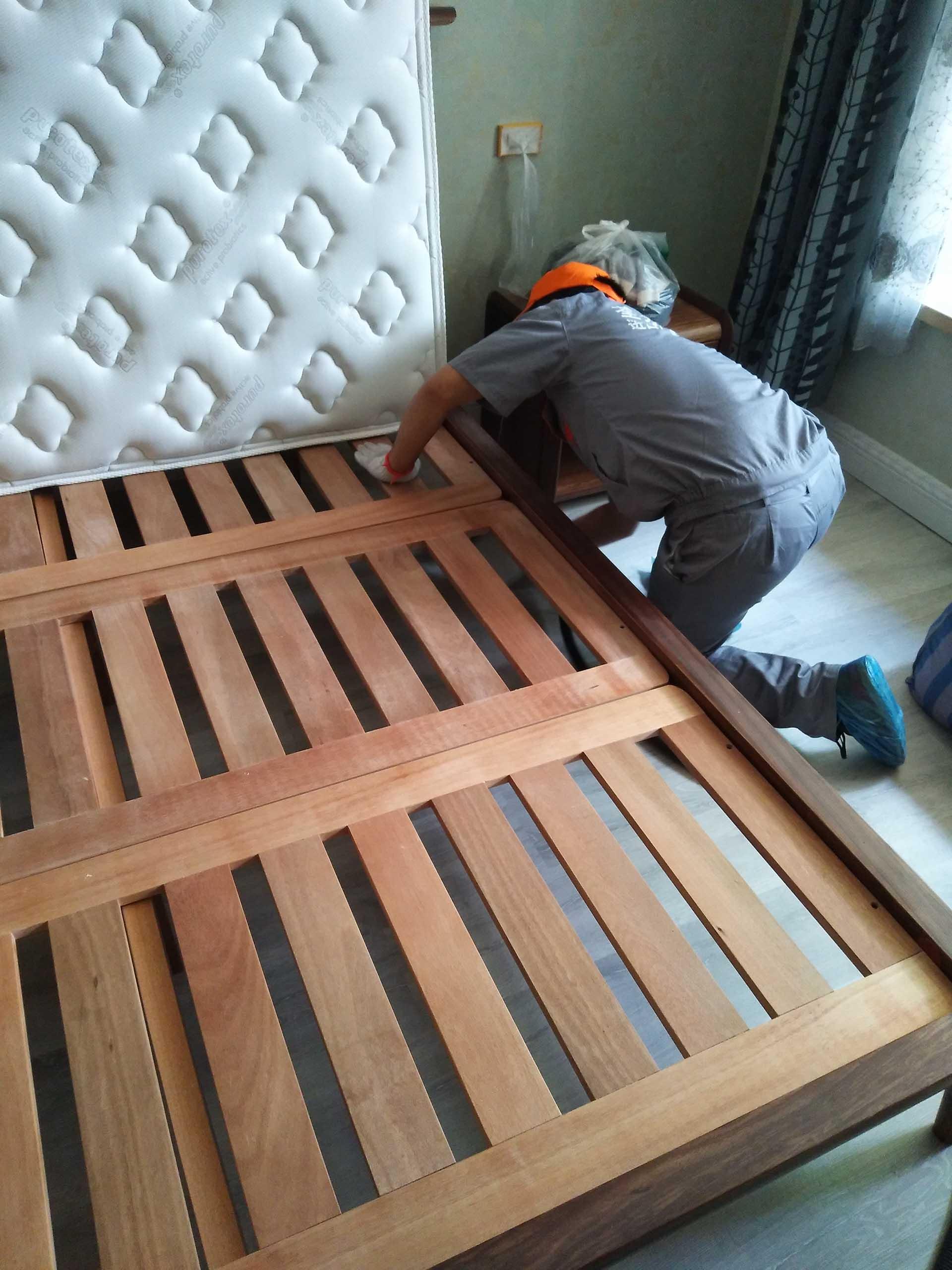 床底下重點施工