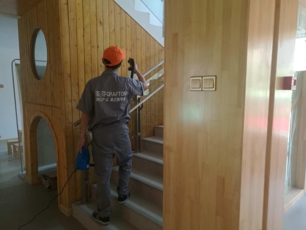 楼梯过道木制材料重点施工