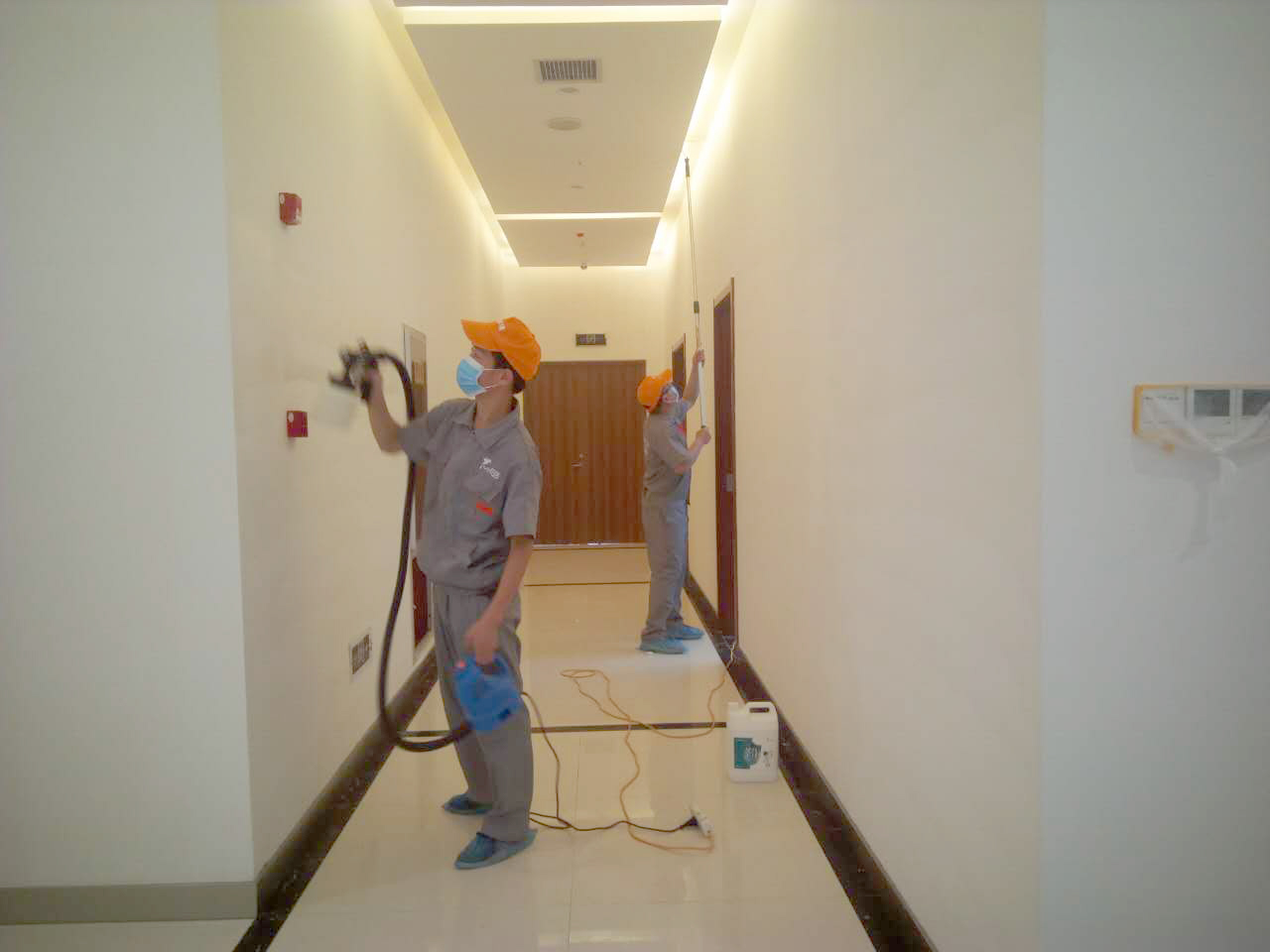 走廊过道墙面重点施工