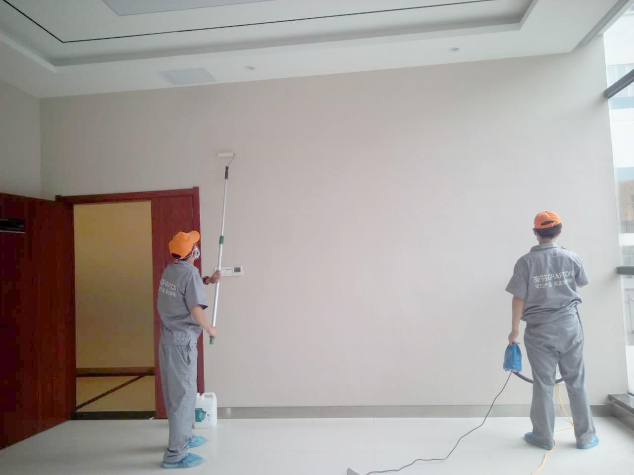 墙面滚筒重点施工