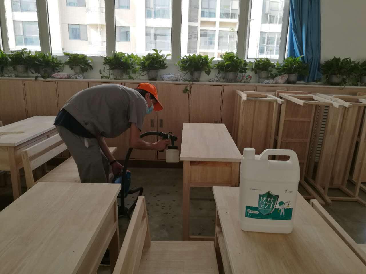 課桌抽屜噴涂施工